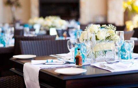 Discussing the Pros and Cons of Laminate Restaurant Tables