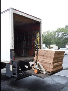 Life gate truck